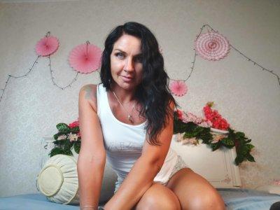 Tara_Bloss