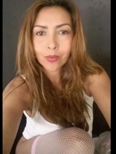 Monique_kiss