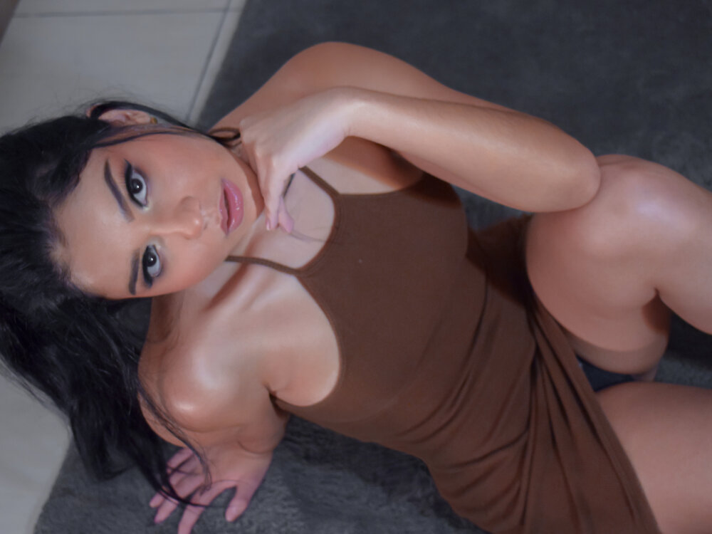 VictoriaLeia at StripChat