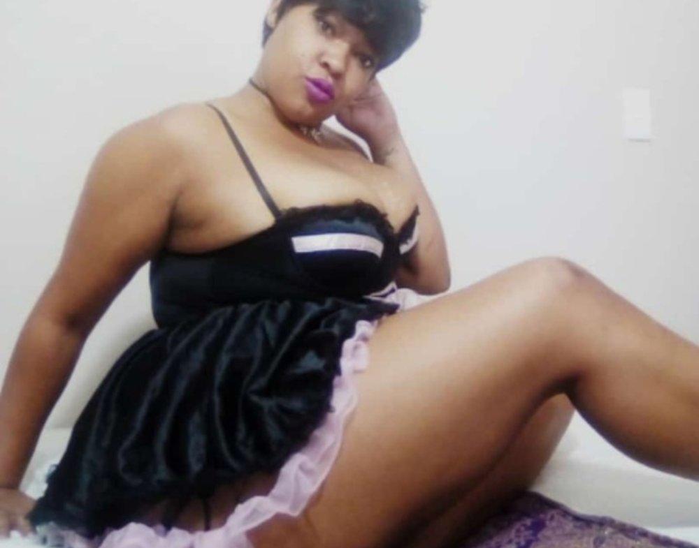 SexyLiquorRose at StripChat