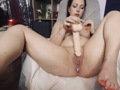 Viola_Beck
