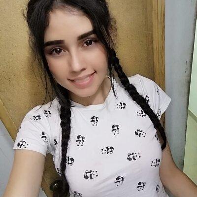lola_boobs_
