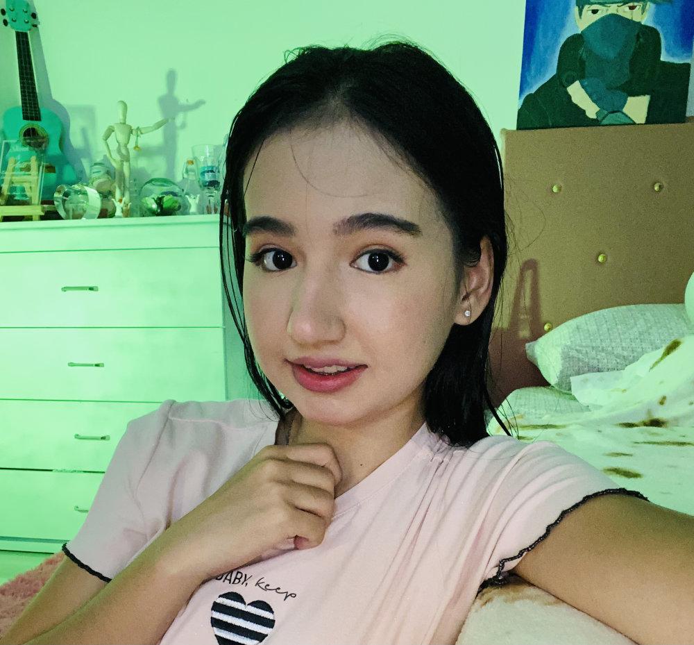 pinkie_princess at StripChat