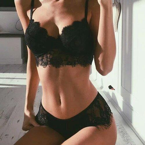 Holly_Bolli at StripChat
