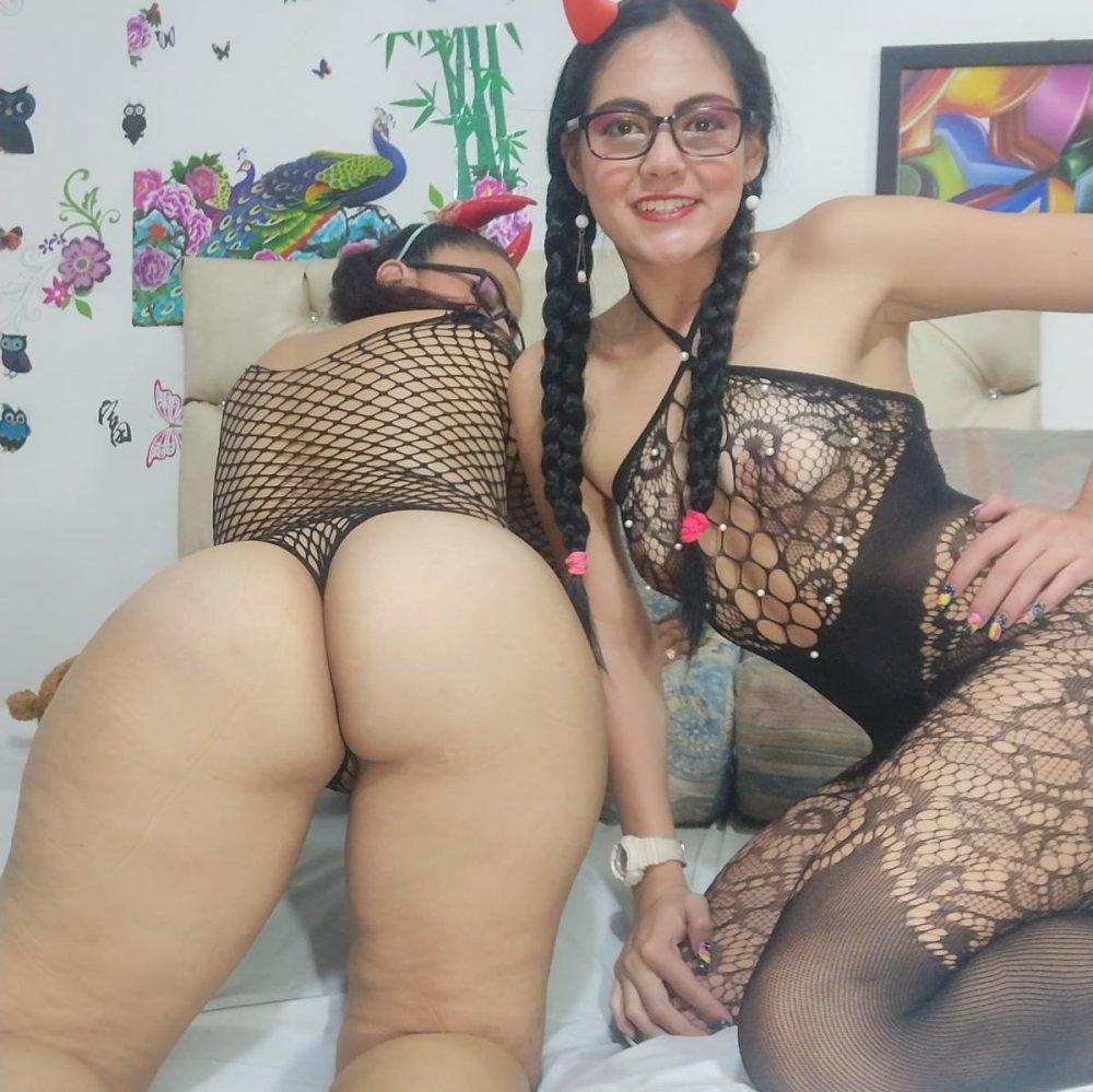wondergirls_ at StripChat