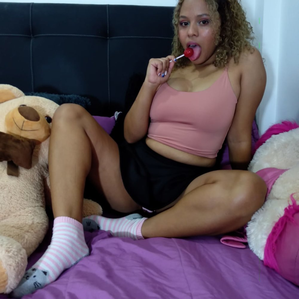 Watch  Katy_andersons live on cam at StripChat
