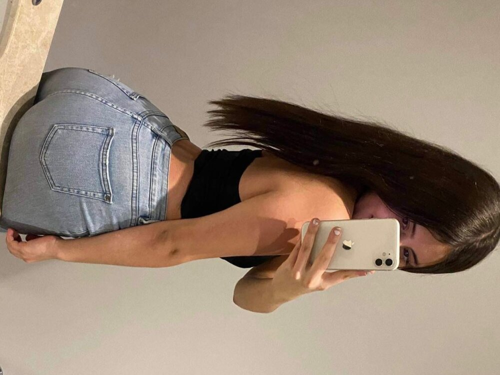 Lucylied_ at StripChat