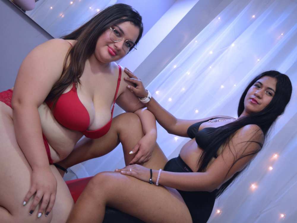 Watch  lian_sacha live on cam at StripChat