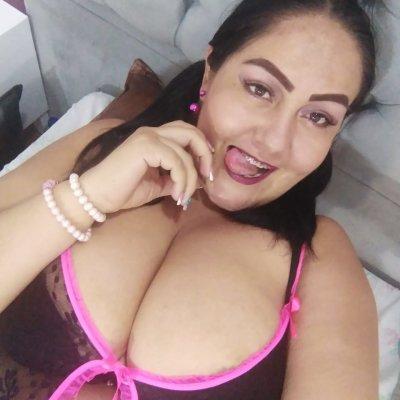 Alejilla_pilla_boobs