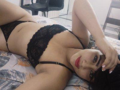 Emily_hot28