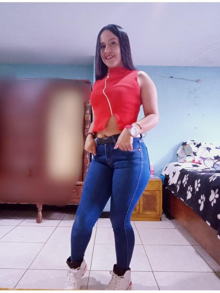 linda_rouge at StripChat