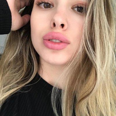 BlondGirll