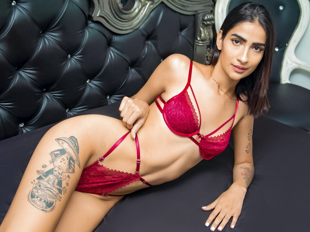 Watch  AriaMillers live on cam at StripChat