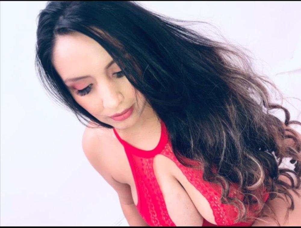 merrylinn_69 at StripChat