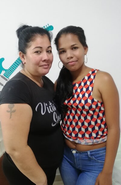Mother_girls
