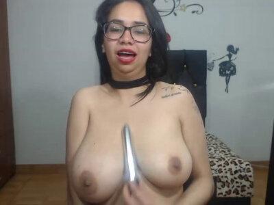 Titshuge_bigg