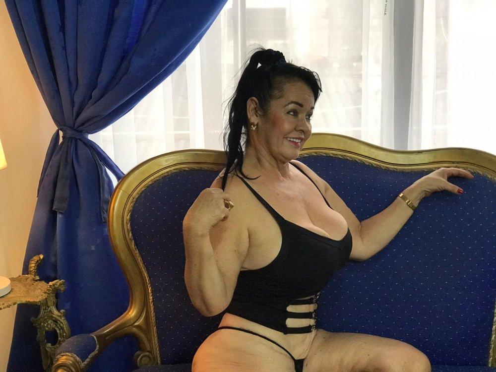 big_boobsmature at StripChat