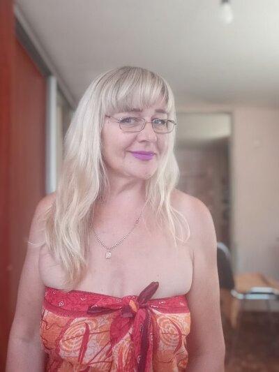 QueenJulia96
