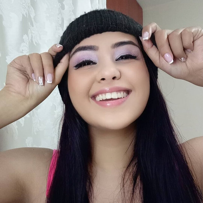 Watch  candyispurple live on cam at StripChat