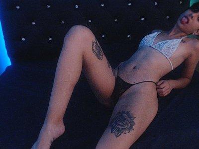 Kylie_hot18