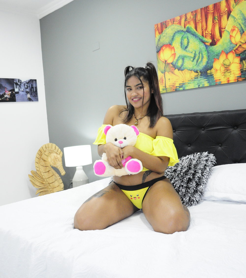 Watch  virginia_love live on cam at StripChat