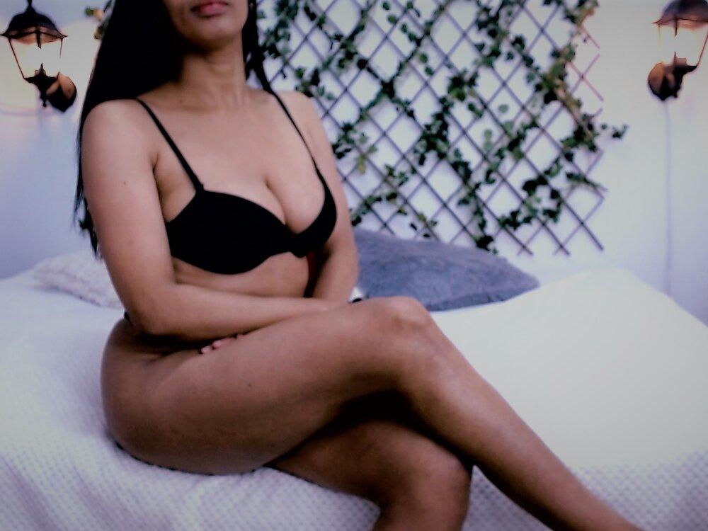 Watch  Alisha_Kaur_ live on cam at StripChat