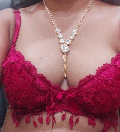 Sexy_divya