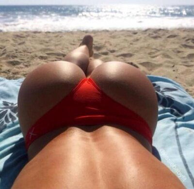 Natali_butt