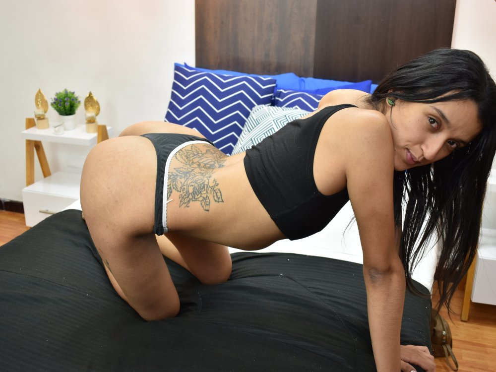 Canela_Russell1 at StripChat